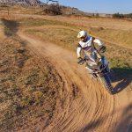 piaszczyste tory motocyklowe dla enduro