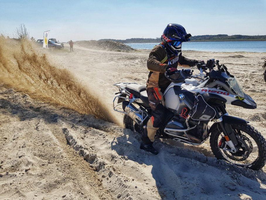ruszanie w piasku motocyklem bmw r1200gsa