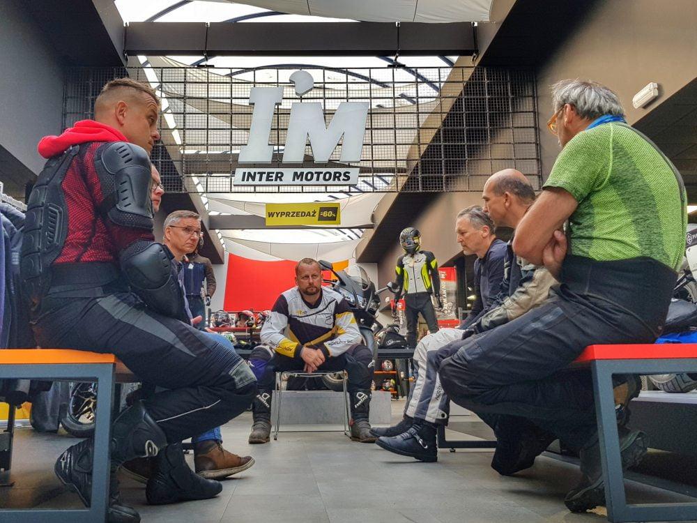 wykłady podczas szkoleń motocyklowych
