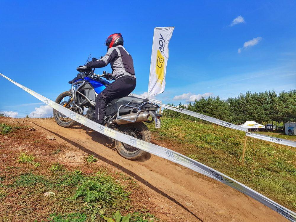 Technika jazdy motocyklem na przeszkodach