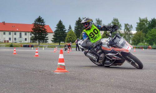 szkolenie motocyklowe, szkolenia motocyklowe, doskonalenie techniki jazdy, jazda precyzyjna, gymkhana