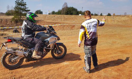 gymkhana, szkolenia motocyklowe, szkolenie enduro, szkolenia enduro, szkoła motocyklowa, szkolenie motocyklowe
